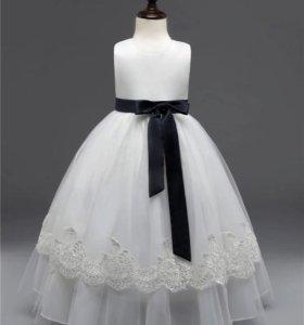 Необыкновенно красивое платье на принцессу 6-8 лет