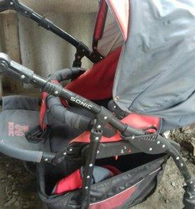 Детская коляска трансформер требует чистки..