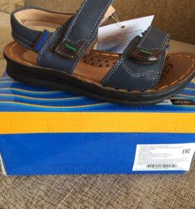 Летние сандали новые