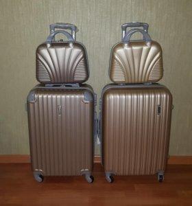 Пластиковый чемодан Ananda
