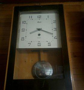 Часы настенные янтарь с боем СССР