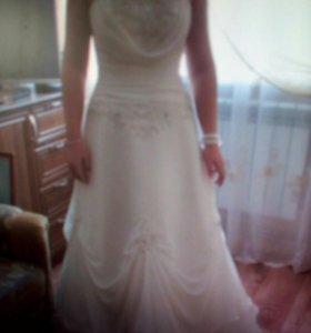 Свадебное платье 44-48 размер