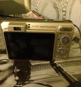 Фотоаппарат Sony 8 мега пикселей с картой памятью.
