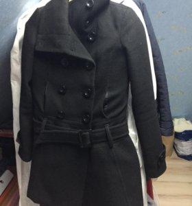 Пальто демисезонное 44 р-р