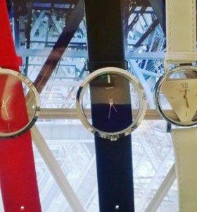 Часы новые с прозрачным циферблатом