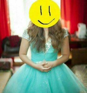 Красивое вечернее платье. Подойдет на выпускной