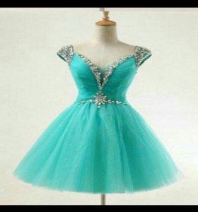 Платье на любой праздник!