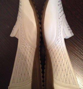 Туфли женские , новые