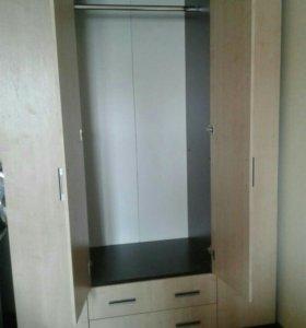 Шкаф высота 2.20.длинна 1.57 ширина 58.