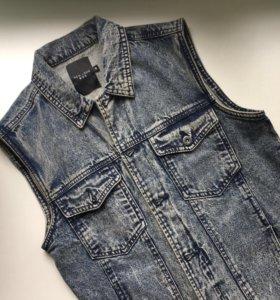 Безрукавка джинсовка жилетка без рукавов джинсовая