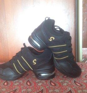 Джазовки(обувь для танца),33-34 размер