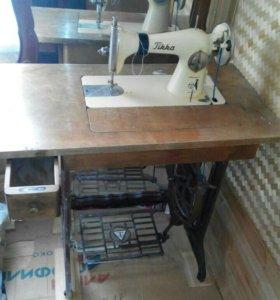 Швейная машинка Тикка