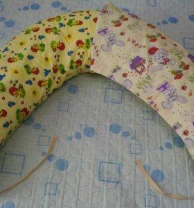 Подушка для кормления двойни.