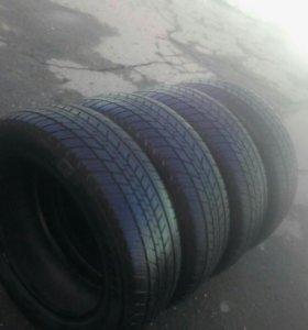 225 60 18 Dunlop летние шины б/у (комплект)