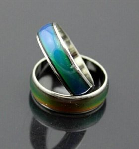 Кольцо с изменяемым цветом.