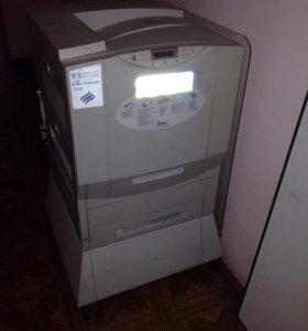 Цветной принтер HP lazer JET 8550 Б/У