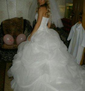 Свадебное платье французского дизайнера