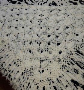 Накидка шерстяная (Оренбургский пуховый платок)
