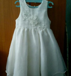 Нарядное платье 98р