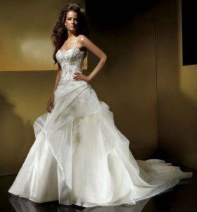 Шикарное свадебное платье от Benjamin Roberts