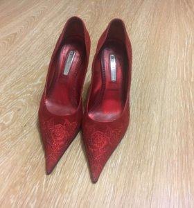 Итальянские туфли , красные
