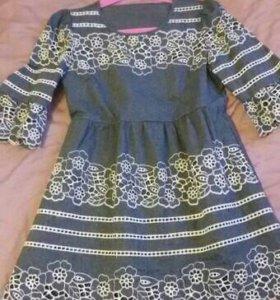 Платье тонкое легкое