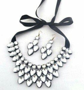 Ожерелье с сережками