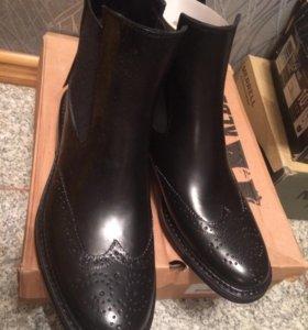 Ботинки новые 42 размер