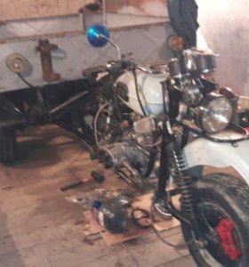 Продам трицикл Урал