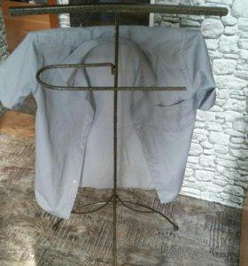 Вешалка для рубашек,очень удобно для школьников.