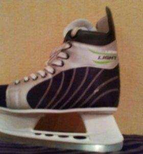 Коньки хокейные мало б/у 41 размер