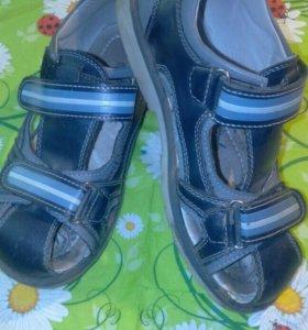 Детские туфли.....