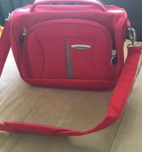 Сумка чемоданчик Redmond