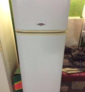 Холодильник Vestel двухкамерный