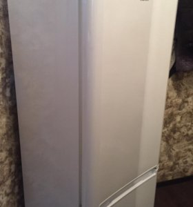 Холодильник Indesit как новый