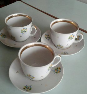 Чашки с блюдцами 3шт