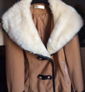 Куртка весна с мехом