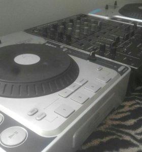 DJ пульт микшер проигрыватели деки