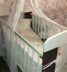 Детская кроватка с матрасом+ постельные принадлежн