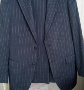 Продам костюм классический мужской