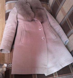 Пальто драповое с натуральным мехом