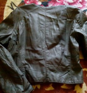Куртка, motivi