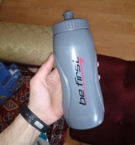 Бутылка для воды. Новая. Не использовалась.