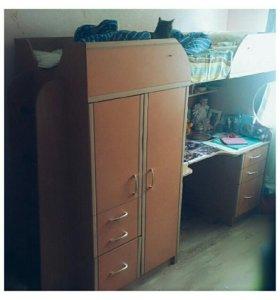 Шкаф и кровать детская