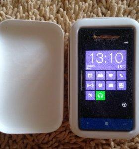 Смартфон Windows Phone 8s