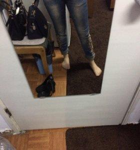 джинсы со стразами