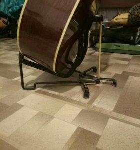 Стойка для гитары.