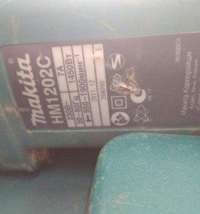 Отбойный молоток Makita HM1202C