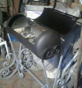 Мангал с элементом ковки