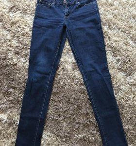 Женские джинсы Levis W26 L32